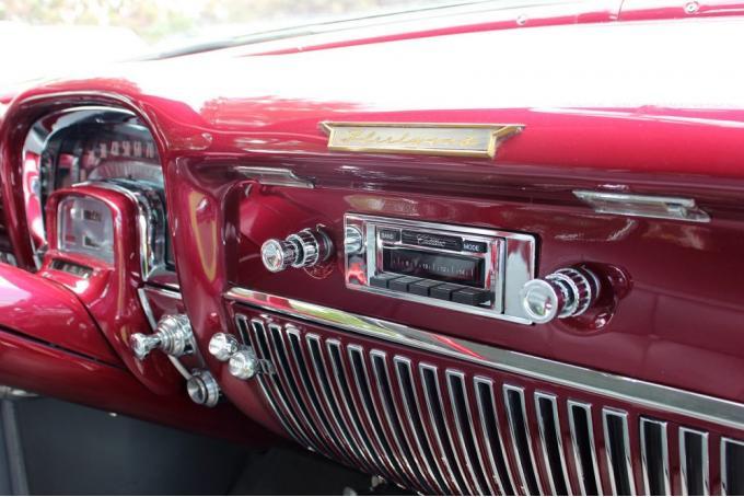 Custom AutoSound® Radios