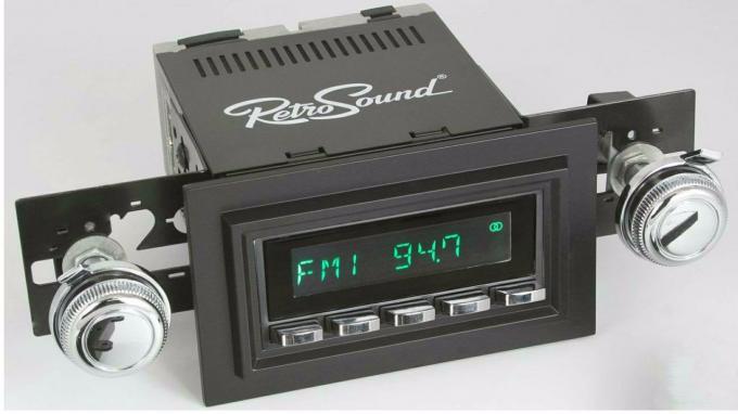 RetroSound 1967-68 Chevrolet Bel Air Long Beach Radio