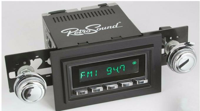 RetroSound 1974-77 Ford Maverick Long Beach Radio