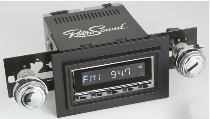 RetroSound 1978-83 Jeep Wagoneer Long Beach Radio