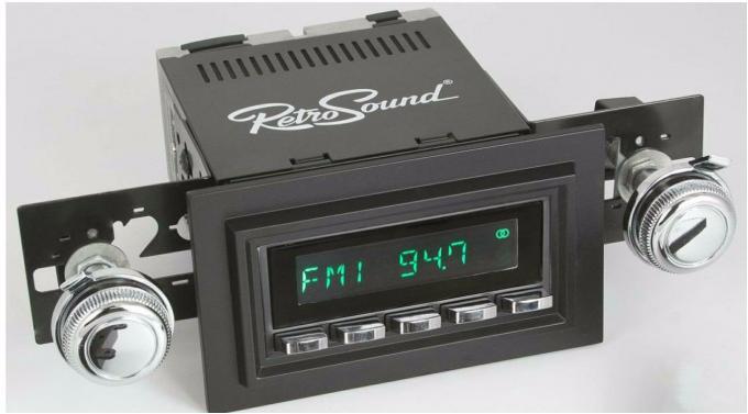 RetroSound 1980-84 Ford F-Series Truck Long Beach Radio